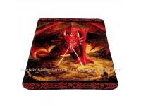 Couverture Dragon Rouge en peluche